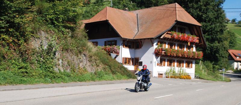 Motorrad_01_800x350